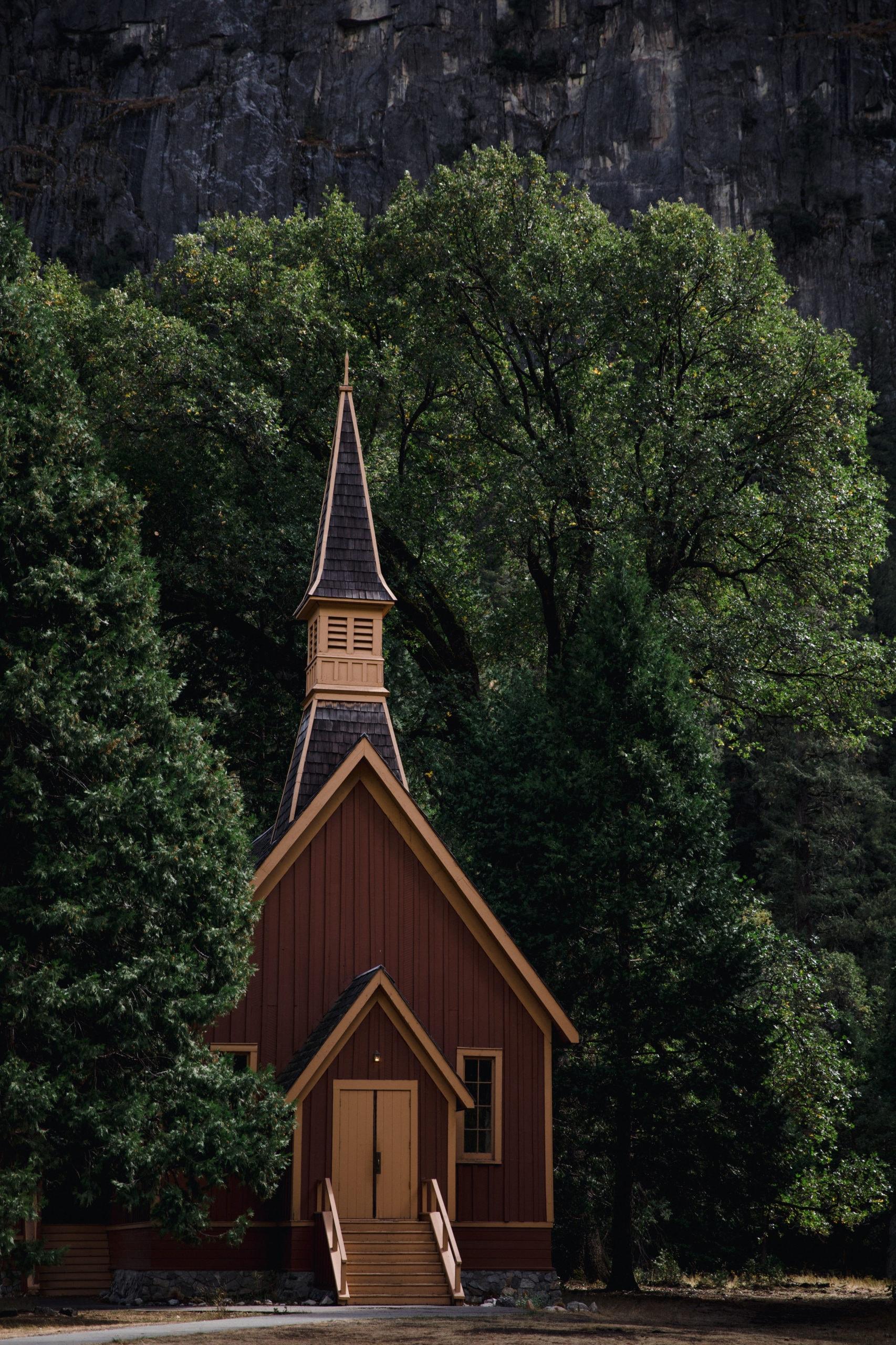 Yosemite Wedding Chapel in the meadow of Yosemite National Park