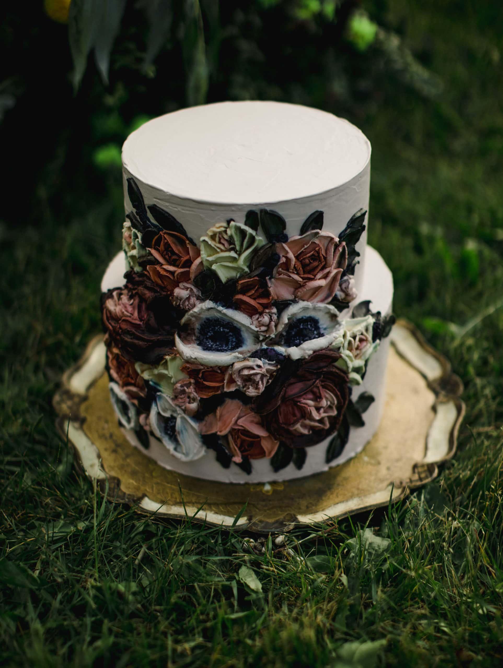 A wedding cake for an Aspen elopement.